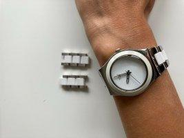 Swatch Zegarek z metalowym paskiem biały-srebrny Metal