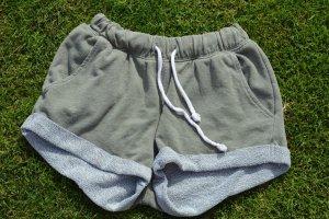 H&M Divided Shorts khaki