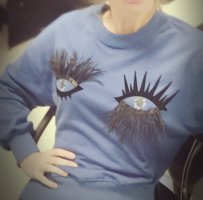 Suéter azul-azul oscuro