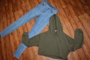 Sweater mit Kapuze in khali Fashionnova Gr. 38