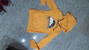 Adenauer & Co Sweatshirt met capuchon sleutelbloem