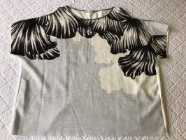 T-Shirt mit Schulter cut out von Zara Collection