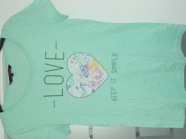 Tailliertes T-Shirt mit Print