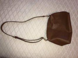 Tasche aus braunem Kunstleder