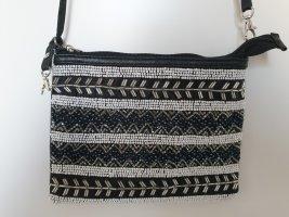 Tasche mit Perlenmuster /-stickerei