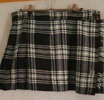 Wraparound Skirt white-black mixture fibre