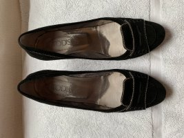 Tod's Business Pumps