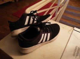 Tolle Adidas Turnschuhe Sneaker schwarz weiß 40
