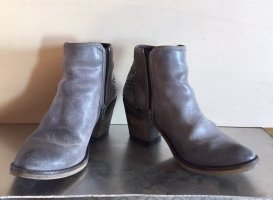 Booties grey leather
