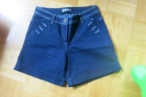 Tolle Jeans-Shorts in Gr. 36