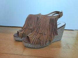 tolle Keilabsatz-Sandaletten mit Fransen