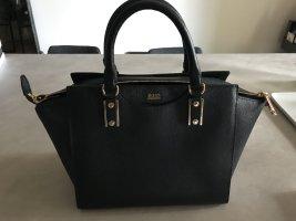 Tolle klassische Handtasche aus Leder von Hugo Boss.