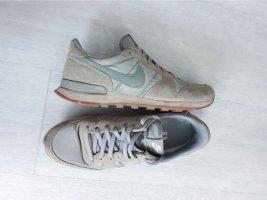 Tolle Nike Sneaker zum Schnüren