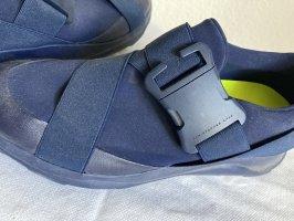 Tolle Sneaker mit Elastischen Bändern Dunkelblau