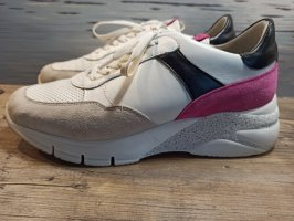 Tolle Tamaris Sneaker in Gr. 41 sehr bequem! 2 bis 3 mal getragen!