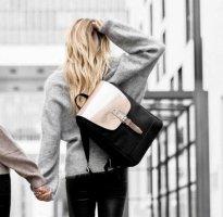 Toller Wind & Vibes Mayfair Rucksack S mit Flap Roségold Metallic Flap aus Leder wie neu