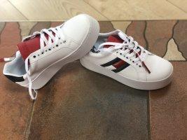 Tommy Hilfiger Plateau Sneaker mit Swarovski Steinen