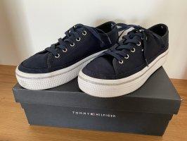 Tommy Hilfiger Sneaker in blau, Größe 39, sehr guter Zustand , NP 79,80€