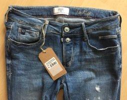 Topaktuelle Jeans von Le temps des Cerises *neu/ungetragen*