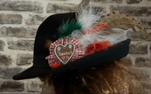 Chapeau bavarois noir-rouge