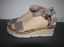 Traumhafte Sandalen in silber-grau