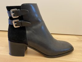 Vero Cuoio Zipper Booties black-silver-colored leather