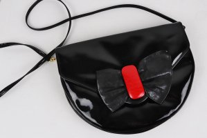 True Vintage 80er Lack Tasche Schwarz Rot Schleife Handtasche Rund Clutch