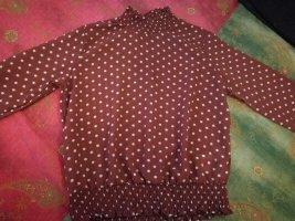 Cols de blouses brun-blanc cassé