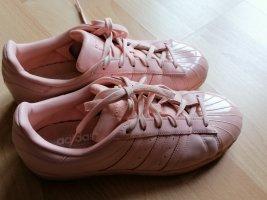 Adidas Chaussures à lacets rosé