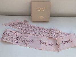 Foulard en soie rose clair-blanc cassé