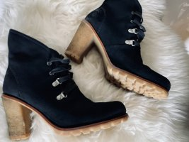 UGG Australia Calynda Boots Gr. 39