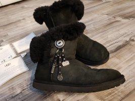 UGG Azalea Gr. 40 black Stiefel Australien Shoes echt Lammfell
