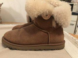 Ugg boots bailey botton chestnut