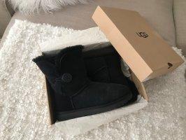 UGG Boots Bailey Button II Blogger Lammfell Stiefel Gr.38