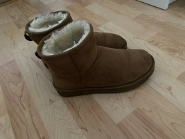 UGG Botas de nieve marrón claro-marrón