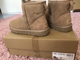 UGG Booties sand brown suede