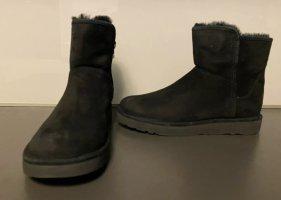 UGG Boots Mod Abree black schwarz Gr. 36 NEU im Karton Short UVP 229.00 Euro