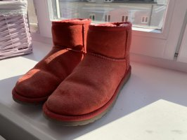 UGG Boots rot
