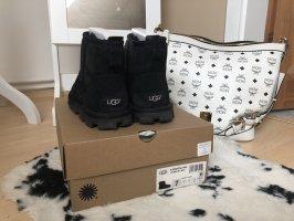 UGG Boots Schuhe Essential Mini kurz Winter schwarz Gr. 38