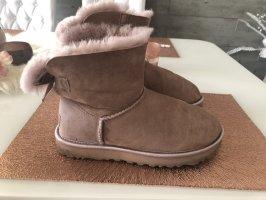 UGG Boots Schuhe Stiefeletten gefüttert 39 Rosa