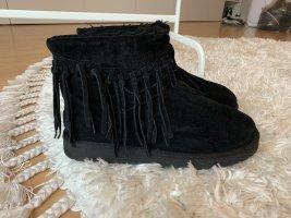 UGG Boots Schwarz Wynona