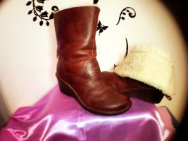 UGG Short Boots carmine leather