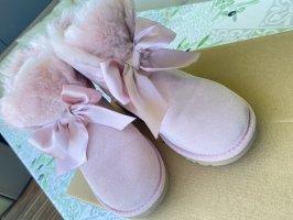 UGG Botas de nieve color rosa dorado-blanco