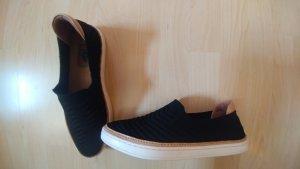UGG Zapatos sin cordones negro