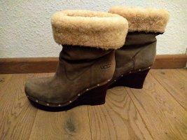 UGG Platform Boots grey brown