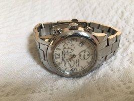 Reloj con pulsera metálica blanco-color plata