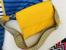 Umhängetasche Tasche Ledertasche gelb neu 2 Gürtel