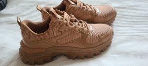 ungetragene Sneaker