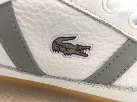 Ungetragene Sneaker von Lacoste Leder schweiss grau beige