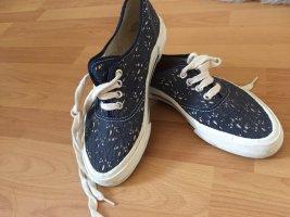 Ungetragenes sneaker